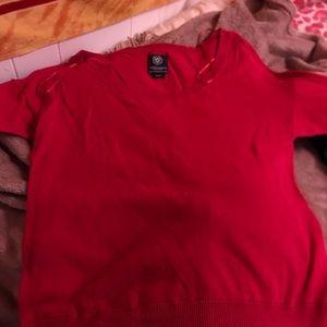red 1/4 sleeve shirt